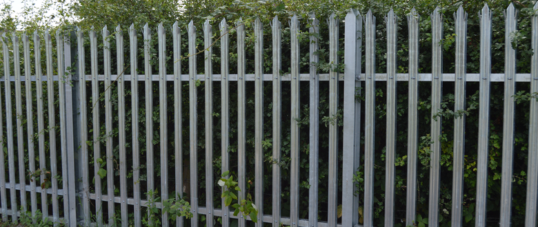 Palisade fencing suppliers