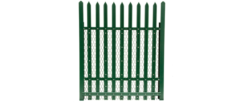 Palisade fencing in green