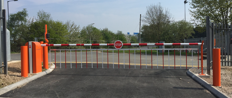 Para T-Series traffic barrier custom colour